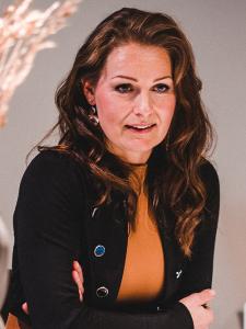 Profileimage by HeleneClara Gamper Designer für Digital und Print from Innsbruck