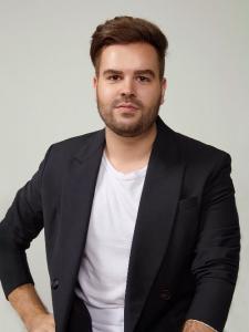 Profileimage by JosVictor Matos Creative Director & Marketing Analyst from SoPaulo